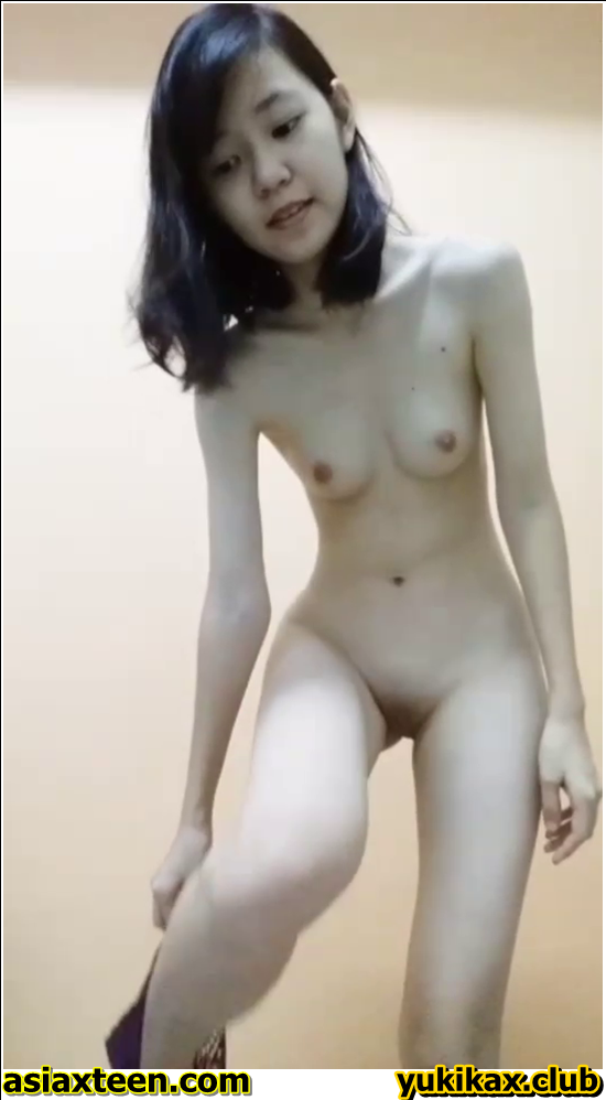 RN-301-310,Japanese girl was secretly filmed for a fitting room,日本の女の子は密かに試着室