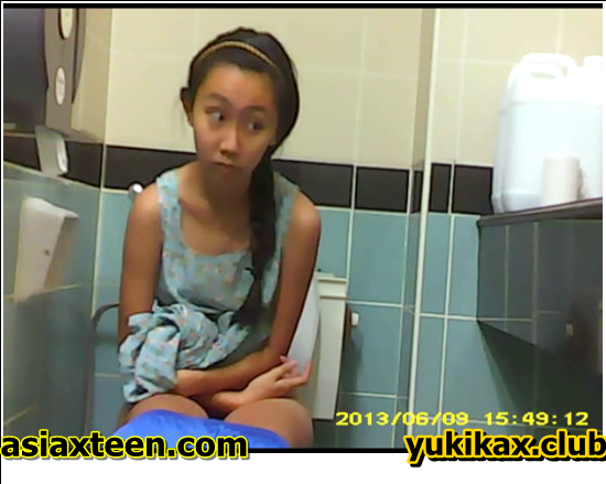 WC-401-410,Japanese secretly filmed for a shared bathroom,本人は密かに共用バスルームで撮影され